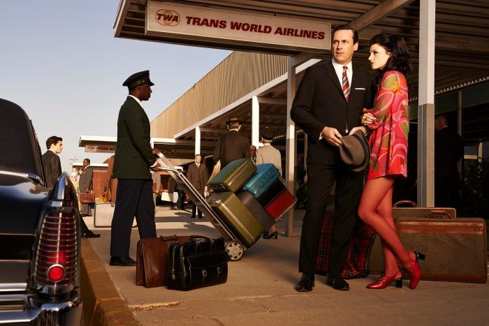 Mad-Men_Ext_Airport_Jon_Jessica_0895_0897_V2[1]